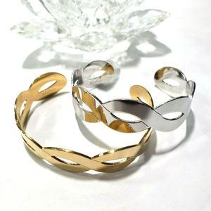 Vintage Sarah Coventry Gold Silver Tone Cuffs 2